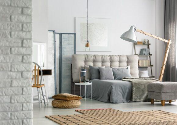 5 pięknych i niedrogich pomysłów na dekorację Twojej małej sypialni